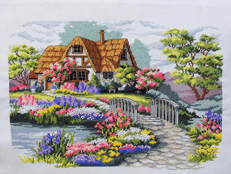 Вышивка домики в цветах
