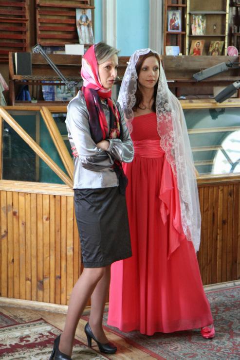 Красное Платье В Церковь