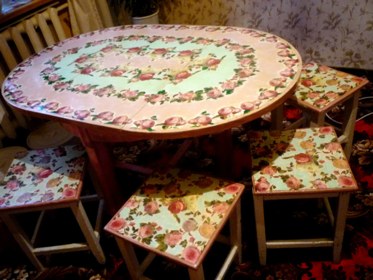 Декупаж старого стола фото