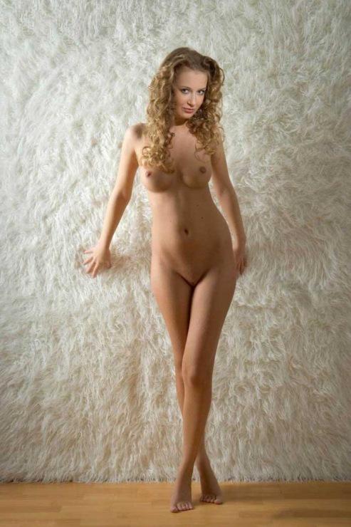 Фото голых красивых в полный рост