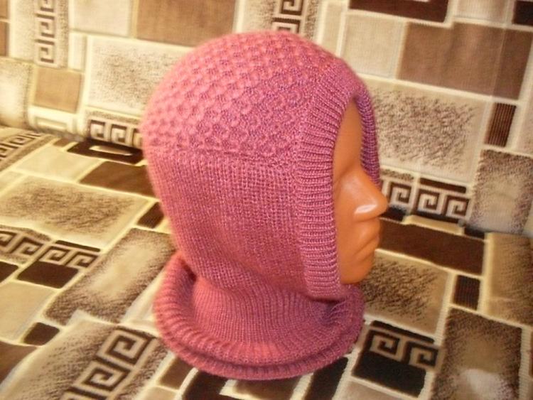 Вязание шапки шлема для мальчика на спицах