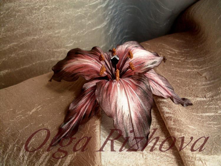 Лилии из кожи для начинающих